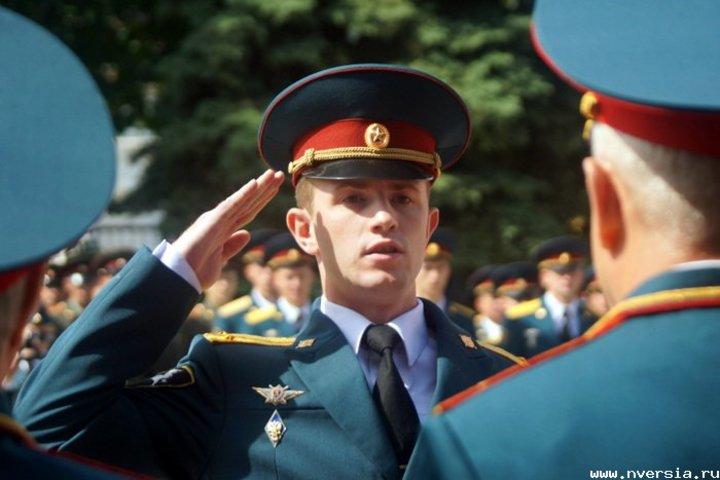 Молодой офицер картинка