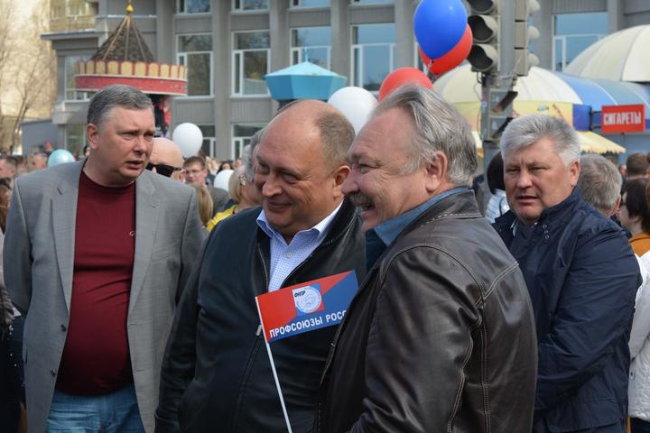 Министр здравоохранения региона Владимир Шульдяков и глава Саратовмелиоводхоза Юрий Заигралов