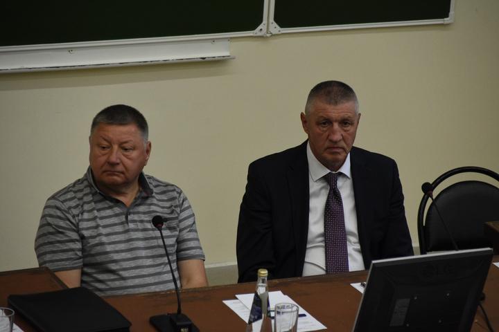 Спикер Саратовской областной думы Александр Романов и вице-губернатор Игорь Пивоваров