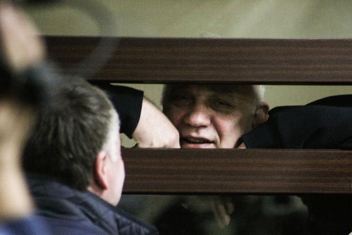 Экс-главе Энгельсского района Михаилу Лысенко осталось отдать государству 35 миллионов рублей