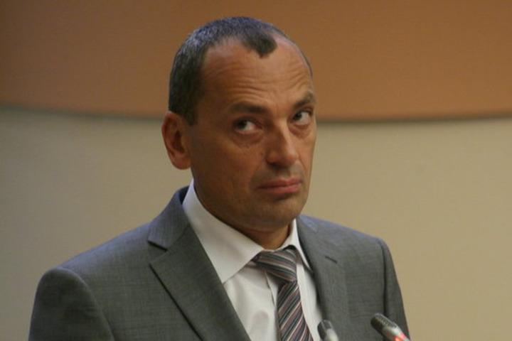Экс-глава областного комитета Александр Сурков, осужденный за взятку, отсидел 3 из 10 лет и вышел на свободу