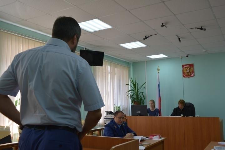 Бывший полицейский в суде рассказал, откуда ежемесячно брал 150 тысяч рублей на взятки при зарплате около 50 тысяч