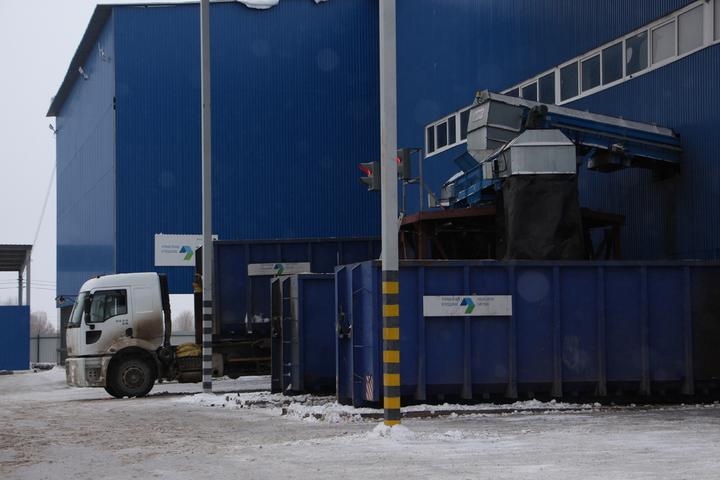 8ff42c3300dc Коммунальщики рассказали, что в случае необходимости готовы вывозить мусор  по ночам