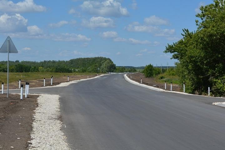 «Что она виляет?»: губернатор жестко раскритиковал замминистра за вялотекущий ремонт дороги за 300 миллионов