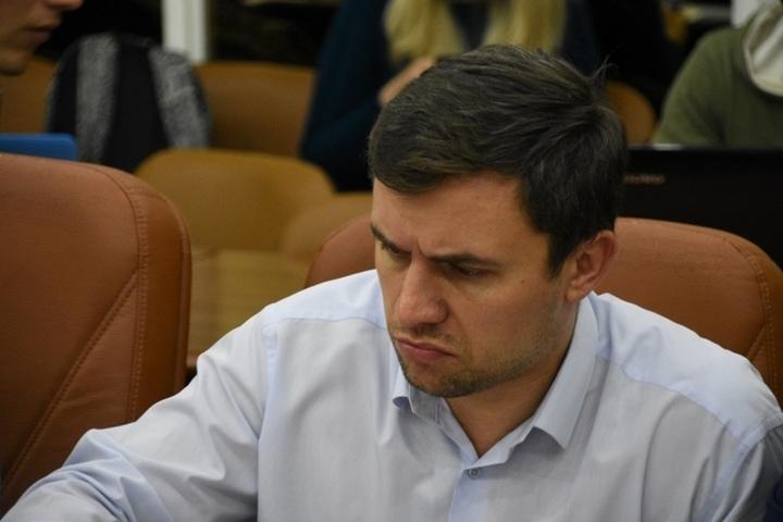 мужчина занял выжидательную позицию работа в росденьги отзывы сотрудников тольятти