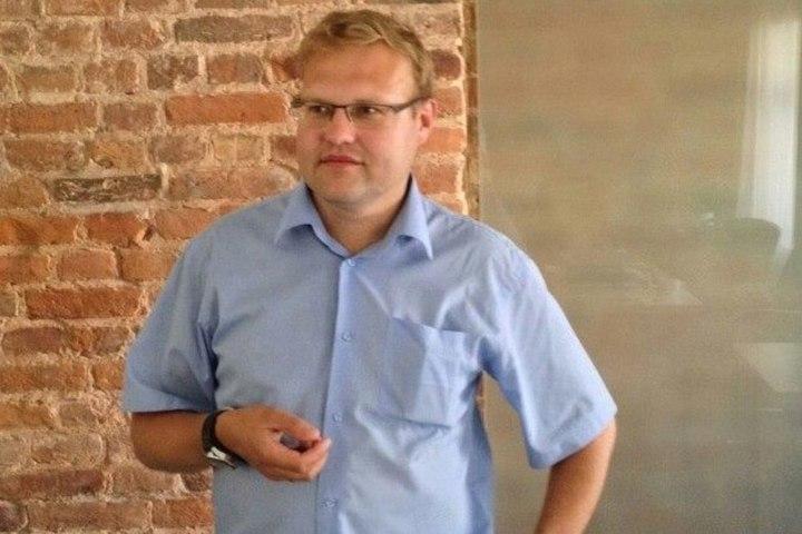 Правозащитник попросил областную думу отменить закон о митингах. По его словам, он противоречит Конституции России