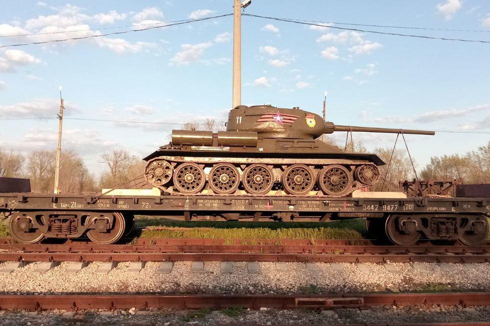 В Энгельсе отреставрировали раритетный танк Т-34 для музея боевой техники