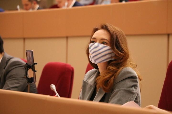 «Зачем делать бизнес на смертях детей?»: депутаты обсудили запрет на продажу товаров для сниффинга подросткам