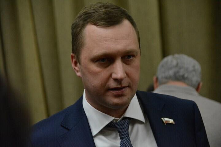 Секретариат председателя правительства Романа Бусаргина за несколько месяцев вырос более чем в три раза: теперь там 29 чиновников