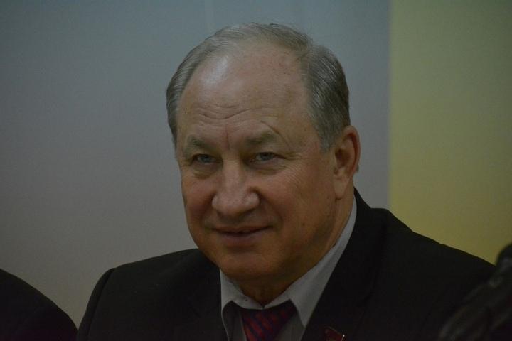 Депутат Госдумы Валерий Рашкин в Саратове заявил о желании властей уничтожить школы, экономическом крахе и геноциде