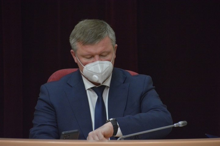 «Где это видано?»: у депутатов вызвало недоумение, что глава Саратова вывел из своего прямого подчинения заместителя, отвечающего за земельные вопросы