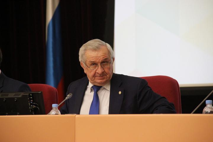 Гордума Саратова останется без председателя. Депутаты, два месяца нарушавшие собственный регламент, устранили казус