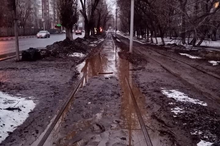 Саратовец заподозрил чиновников мэрии в публикации недостоверной информации о ремонте трамвайных рельсов