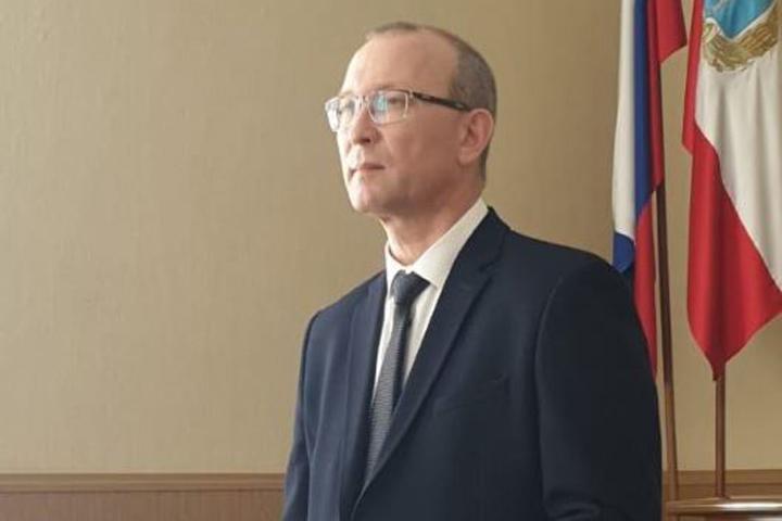 Депутаты единогласно выбрали нового главу Питерского района