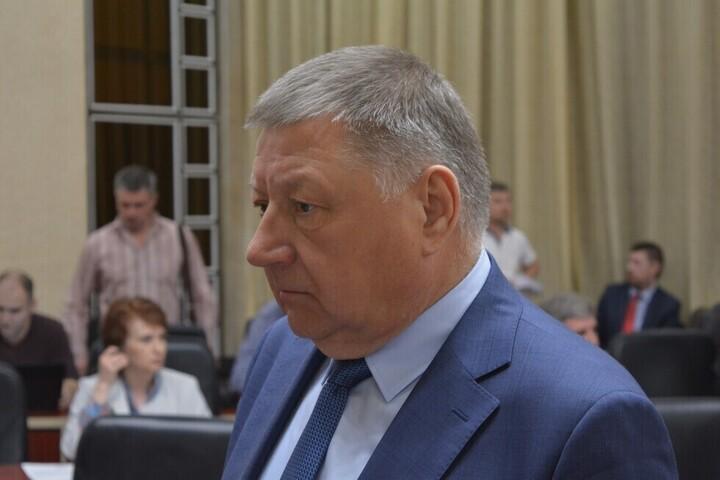Спикер Саратовской областной думы продолжил падение в федеральном рейтинге и оказался в тридцатке худших