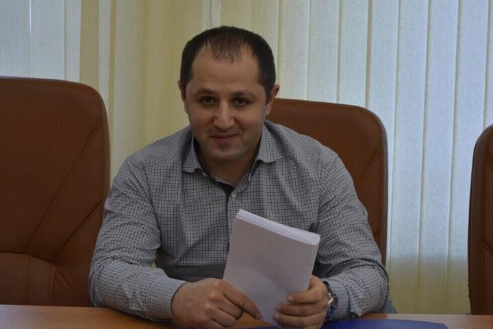 Контракты на ремонт федеральных дорог в Саратовской области на сумму более 10 миллиардов рублей выиграли фирмы депутата и его родственников