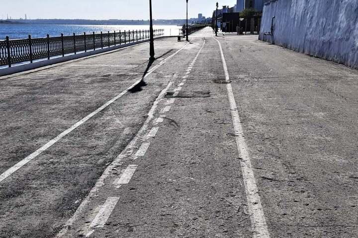 «Самое колхозное пешеходное пространство в Европе»: жителя Саратова возмутило качество благоустройства открытого участка набережной от Ротонды до Провиантской